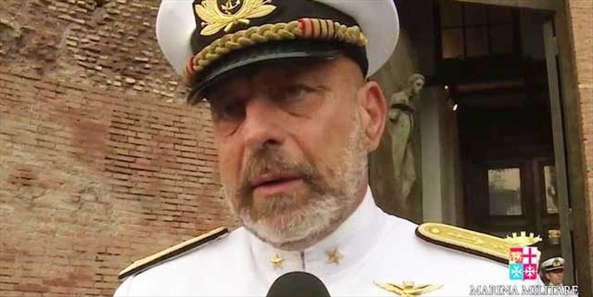 SOS uomo in mare - a Cesano, l'ammiraglio De Giorgi alla scuola Angelini